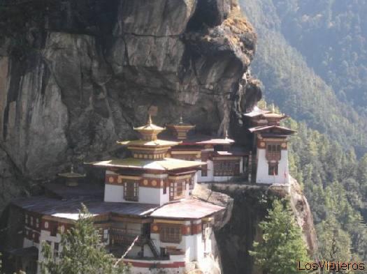 Rocas y rezos - Tanktsang - Bhutan