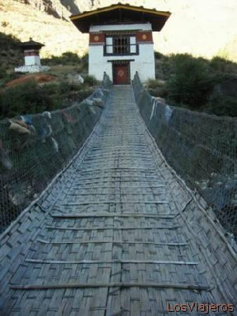 Hanging bridge - Bhutan Puente colgante - Bhutan