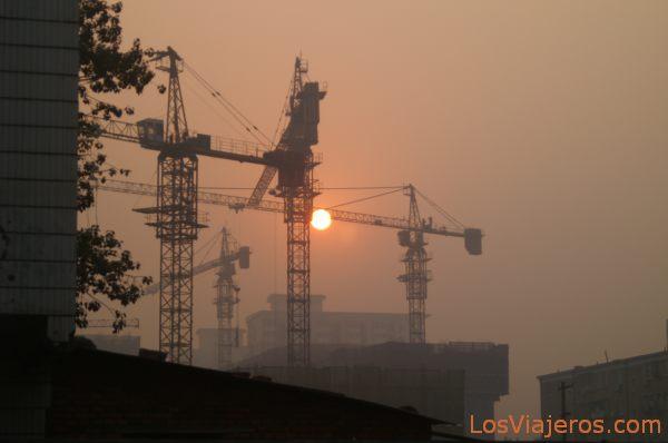 Contamination and Buildings - Beijing - China Contaminación en el cielo de Pekin - China
