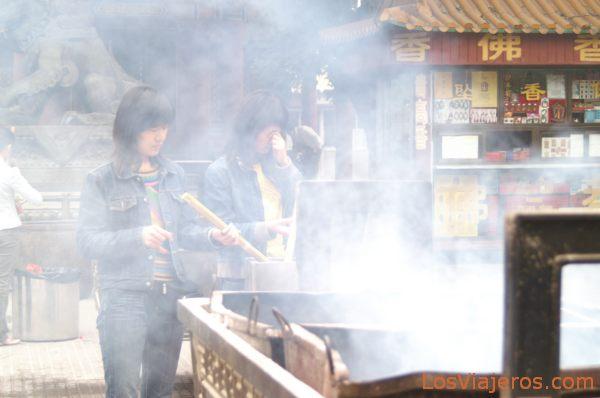 Ofrendas - Templo de los Lamas - Yonghe gong - Pekin - China