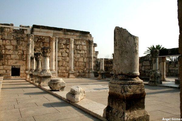 Synagogue remains – Cafarnaum - Israel Restos de la Sinagoga – Cafarnaum - Israel