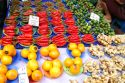 Fruits in the Sunday Market - Kuching - Malaysia Frutas en el Mercado del Domingo – Kuching - Sarawak  - Malasia