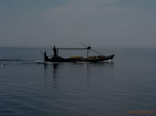 Dhoni, barco característico de Maldivas- Maldivas