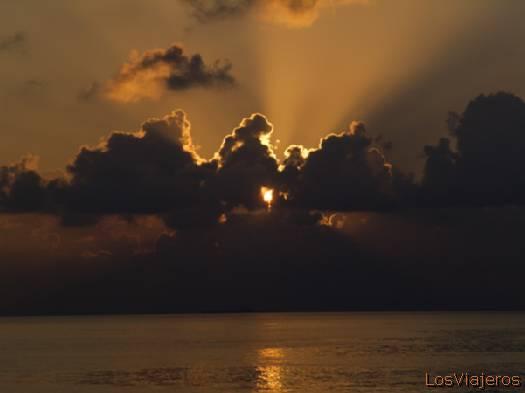 Ocaso- Maldivas