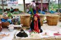 Go to big photo: Phaungdawoo Market-Inle Lake-Burma
