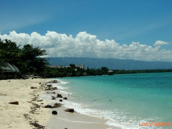 White beach en Panagsama - Filipinas