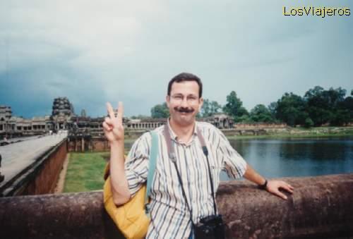 Carlos Diaz, el iniciador de esta galería de fotos - Camboya Carlos Diaz, the begginer of this photogallery - Cambodia
