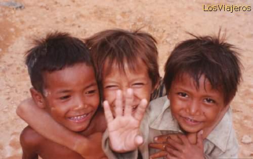 Children at Siem Reap - Cambodia Niños de Siem Reap - Camboya