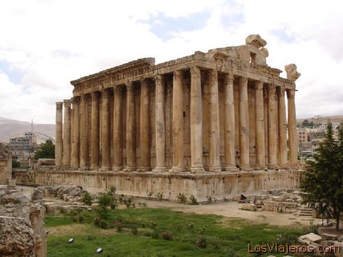 Jupiter Temple - Baalbeck - Lebanon Templo de Jupiter - Baalbeck - Libano