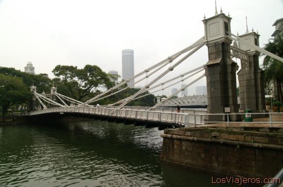 Cavenagh Bridge - Singapore Puente Cavenagh - Singapur