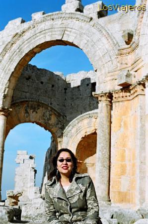 Marta en San Simeon - Siria Marta in St. Simeon - Syria