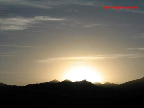 Sol en el horizonte - Tibet - China