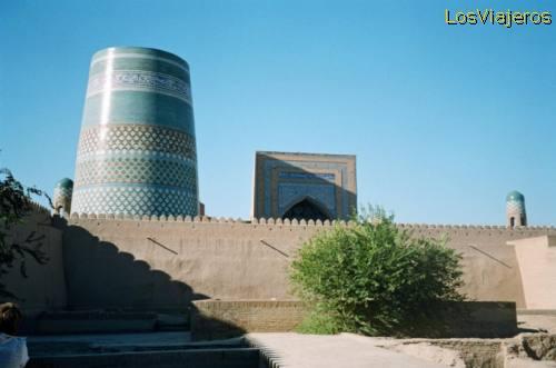 Kalta Minor Minaret -Khiva- Uzbekistan Minarete de Kalta Minor -Khiva- Uzbekistan