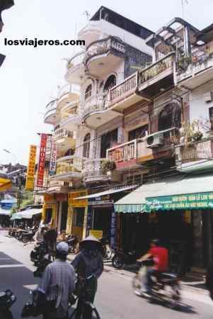 Casas estrechas en el barrio viejo vietnam narrow for Casas estrechas
