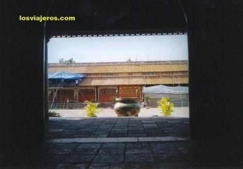 Nine Dynastic Urns of Hue - Viet nam - Vietnam Nueve urnas de Hue - Vietnam