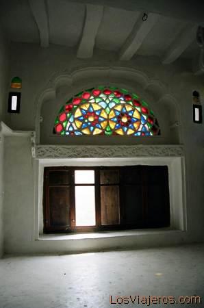 Stained-glass window-Palace of the Imam-Wadi Dhar-Yemen Vitral-Palacio del Imán-Wadi Dhar-Yemen