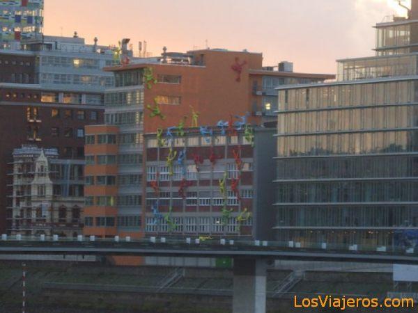 Curious building -Dusseldorf - Germany Curioso Edificio -Dusseldorf - Alemania