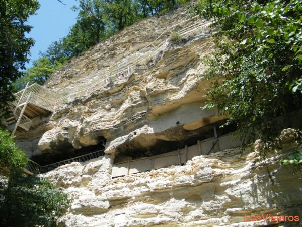 Monasterio en la roca en Aladja - Bulgaria