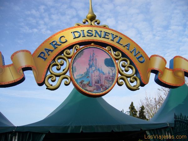 Cartel de entrada al Parque Disneyland - Disneyland París - Francia Cartel of entry to the Park Disneyland - Disneyland París - France