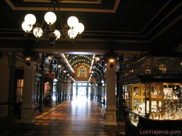 La arcada de la Libertad - Disneyland París - Francia Liberty Arcade - Disneyland París - France