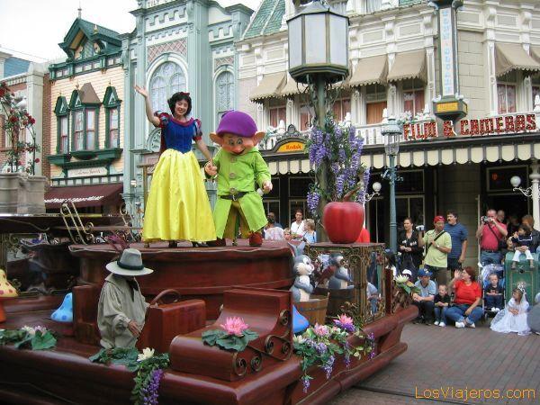 Blacanieves en el Desfile en Main Street