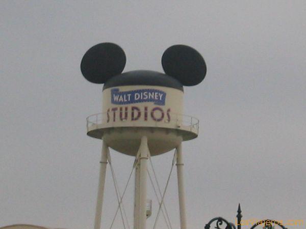 El símbolo de los Estudios Disney - Walt Disney Studios París - Francia The symbol of the Studies Disney - Walt Disney Studios Paris - France