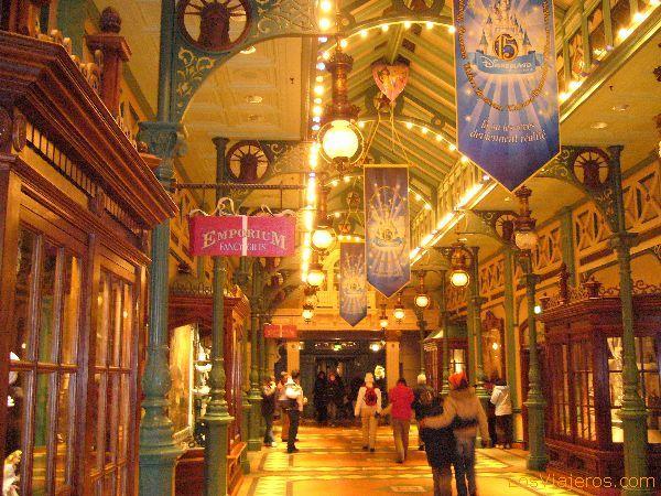 La Arcada de los Descubrimientos - Disneyland París - Francia Discovey Arcade - Disneyland París - France