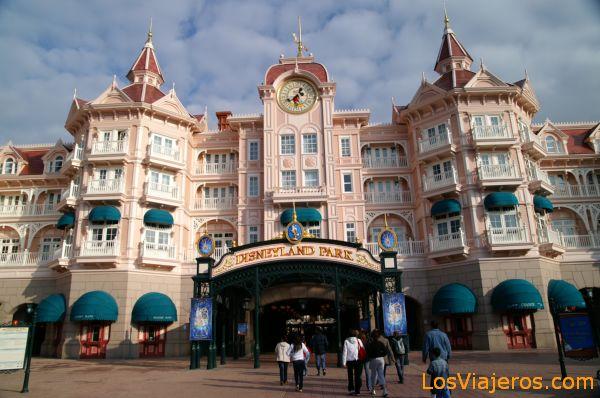 Entrada de Disneyland Paris - Francia  - Disneyland - France