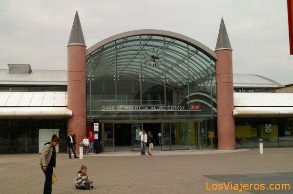 Estacion de tren Marne la Vallee Chessy - Disneyland - Francia Gare Marne la Vallee Chessy - Disneyland - France