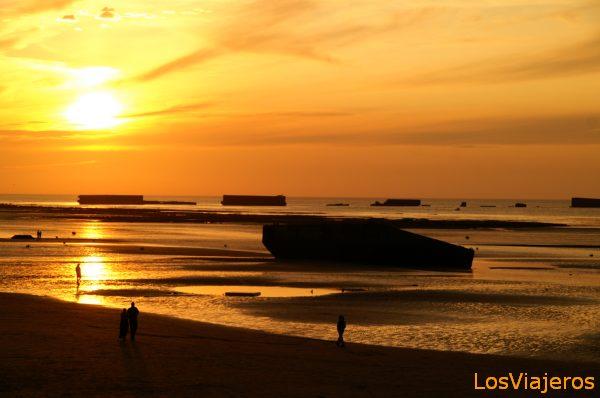 Puerto artificial del desembarco de Normandia -Arromanches- Francia Mulberry Harbour - Arromanches-les-Bains-Normandie- France