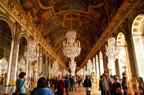 Galerie des Glaces or Hall of Mirrors -Versailles - Paris - France Salon de los espejos - Palacio de Versalles- Paris - Francia