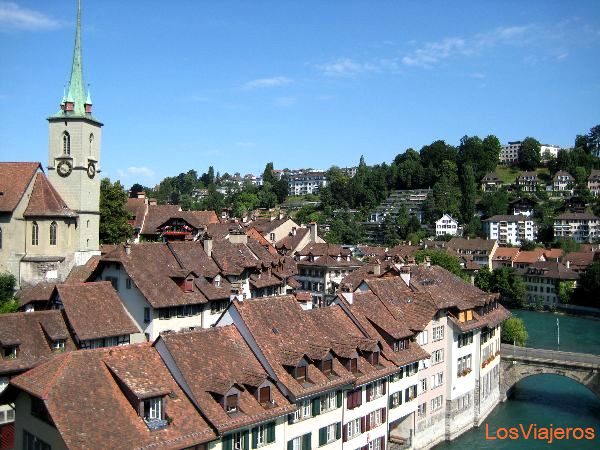 Riverside in Bern - Switzerland Casas junto al rio en Berna - Suiza