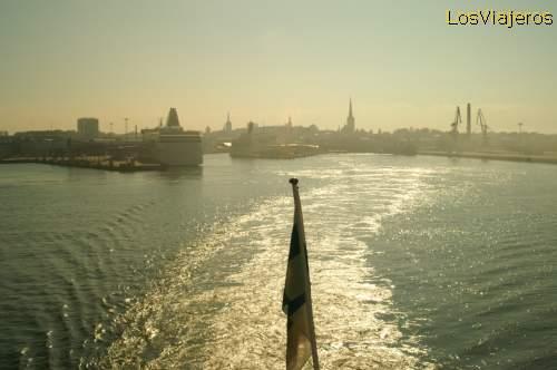 Port of Tallinn - Estonia Puerto de Tallin - Estonia