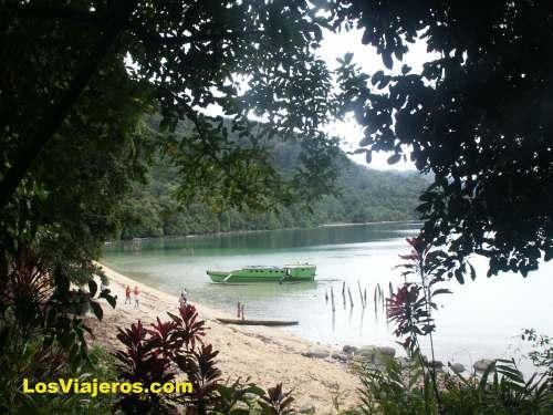 Pendolo Lake - Indonesia Lago Pendolo - Indonesia
