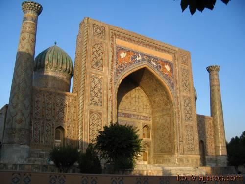 Sher Dor (Lion) Medressa - Samarkand - Uzbekistan - Asia Madrassa Sher Dor (del Leon ) - Samarcanda- Uzbekistan  - Asia